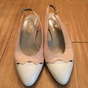 Vintage Chanel Kiiten Heel Shoes. Size 7